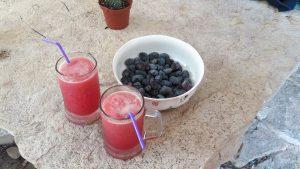 מיץ רימונים וזיתי שמש